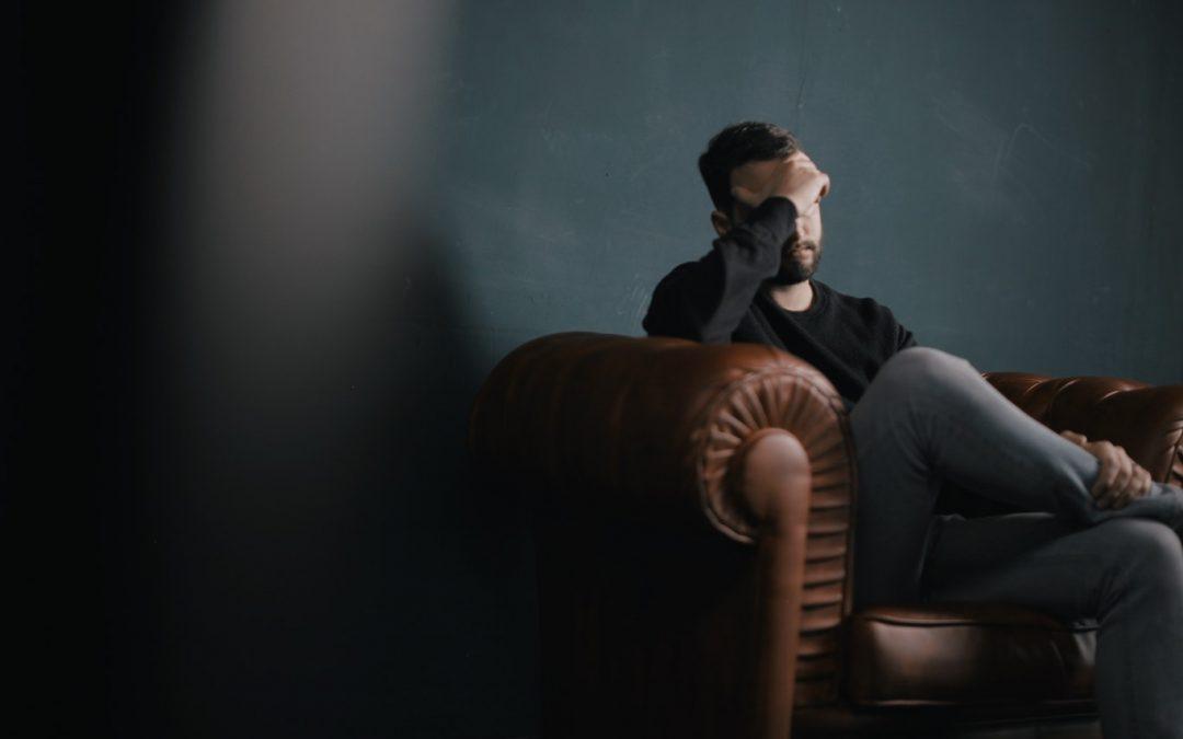 Le lien entre les problèmes de santé mentale et l'endettement doit être brisé